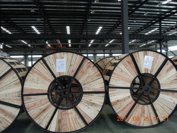 Lightweight ACSR Aluminium Conductor Steel Reinforced Cable With Wooden Drums Packing